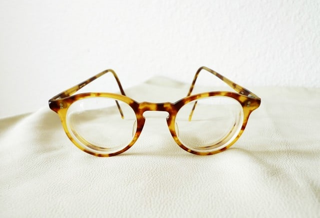 Grundlæggeren af Oliver Peoples – sådan vælger du de rigtige briller