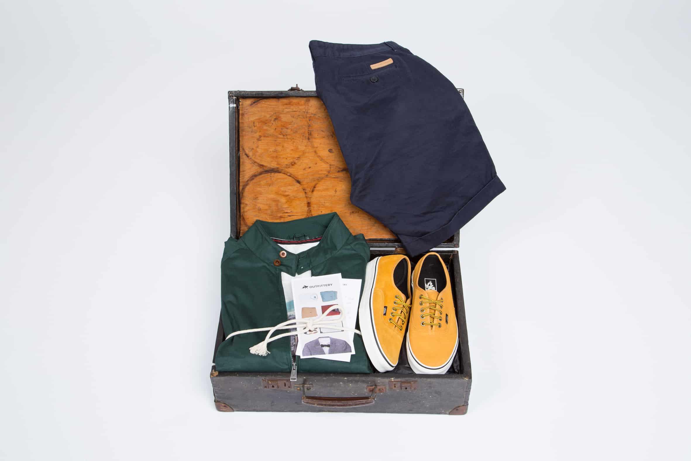 Mærkerne hos Outfittery.dk tæller Tiger, Gant, Levi's, Converse etc.